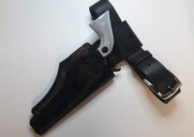 1 - kožené pouzdro na zbraň